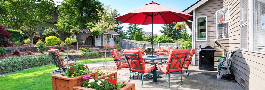Profitez pleinement de votre été grâce à l'aménagement de votre jardin à travers un mobilier d'extérieur : salon de jardin, parasol, bain de soleil, barbecue ...